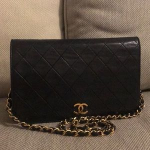 Auth Chanel Quilted Matelasse Chain Lambskin Bag
